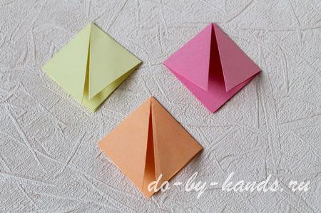 складываем цветок из модулей оригами