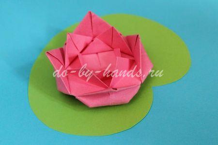 Простая кувшинка оригами из