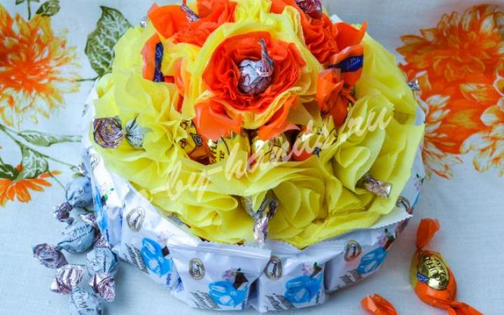 Торт из конфет и гофрированной бумаги своими руками мастер класс 189