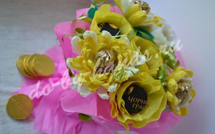 Хризантемы из конфет и