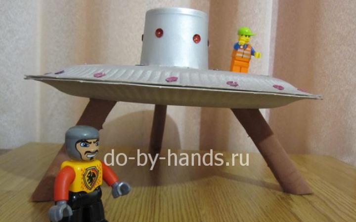 Летающая тарелка, детская поделка