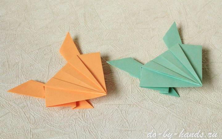 Прыгающая оригами лягушка из