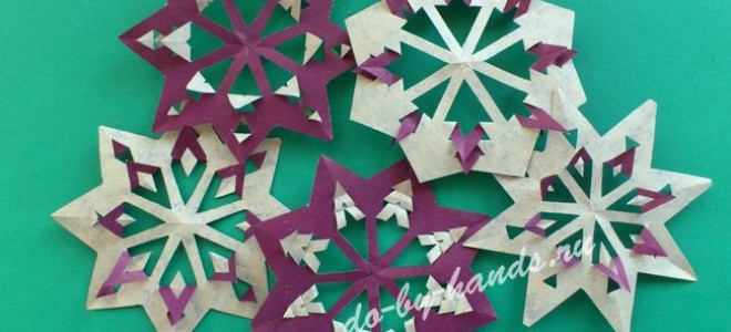 Вырезаем красивые снежинки из бумаги