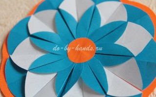 Цветок из кругов оригами