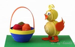 Цыпленок к Пасхе с корзинкой из гофрированного картона