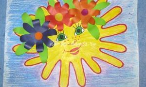 Детский рисунок «Солнышко» из ладошек с элементами аппликации