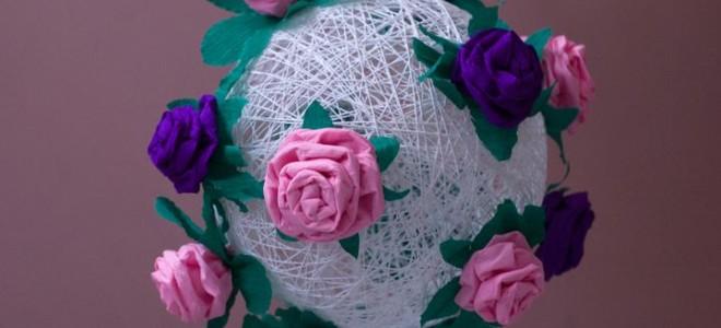 Цветочный шар из ниток и гофрированной бумаги
