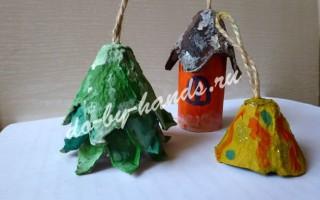 Елочные игрушки из подручных материалов (из лотка от яиц)