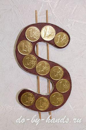 доллар из конфет