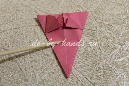цветок примулы в технике оригами
